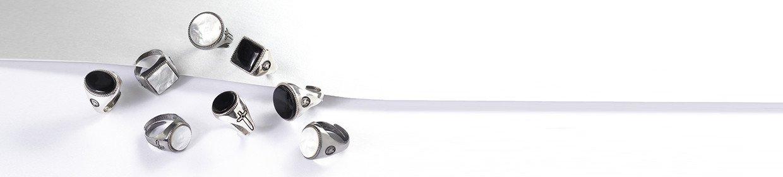 Anelli in argento con gemma incastonata
