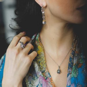 collana anello e orecchino cupola campanella portafortuna capri donna